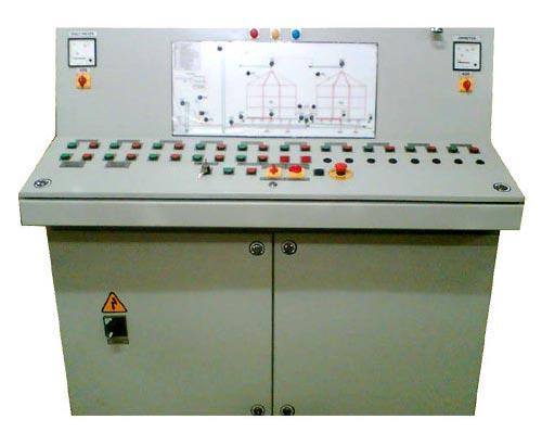 tủ bàn điều khiển