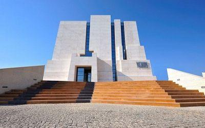 Kiến trúc thế giới làm từ đá