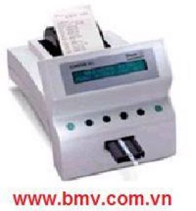 Máy xét nghiệm nước tiểu 60 test/giờ