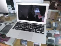 MacBook Air MC968 (Mid 2011)