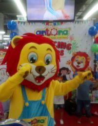 Antona Dancing Tours tại điểm dừng ST VinMart - TTTM Times City