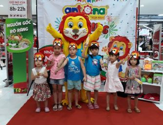 Antona Dancing Tours tại điểm dừng VinMart - Vincom Phạm Ngọc Thạch