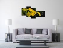 Tranh hoa mai vàng treo phòng khách đẹp và sang trọng