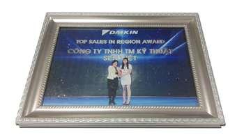 Đại lý Sen Việt nhận giải Top Sales in Region Award