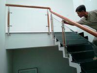 Những điều cần biết về cầu thang kính cường lực