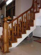 Cầu thang gỗ PT 007