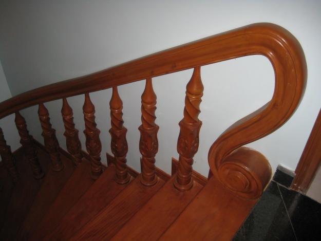 Cầu thang gỗ PT 008