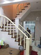 Cầu thang gỗ PT 09