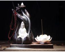 Tháp Đốt Trầm Hình Bàn Tay Phật