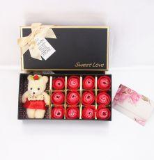 Hoa Hồng Sáp 12 Bông Kèm Gấu Sweet Love (Màu đỏ)