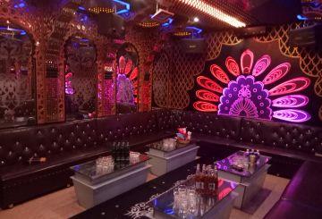 Phòng Luxury (20 - 25 người)