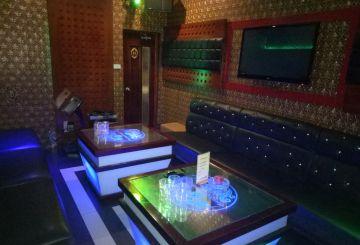 Phòng VIP (10-15 người)