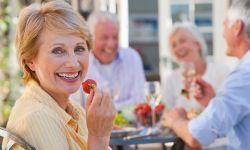 Giúp việc gia đình cần biết về chăm sóc người già