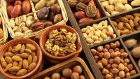 Bảng giá một số loại hạt ăn tết 2018