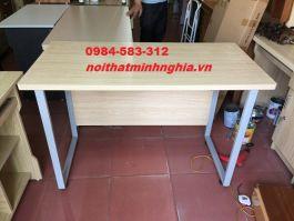 bàn khung vuông sắt 100x60