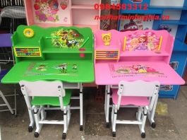 bàn ghế trẻ em màu hồng mẫu 01