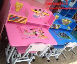 bộ bàn ghế trẻ em màu hồng mẫu 01