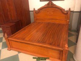 Giường ngủ hoa lá tây gỗ gụ 1m8 * 2m