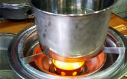 Lên thực đơn đồ lẩu nướng với bếp lẩu nướng không khói trong ngày lễ Noel