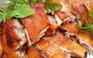 Làm vịt nướng thơm ngon bằng bếp nướng than hoa như vịt quay nhà hàng