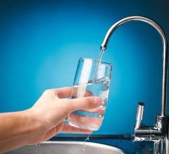 Máy lọc nước có lọc được dầu nhớt không?
