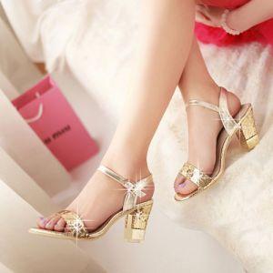 Sandal gót cao vàng kim nữ tính