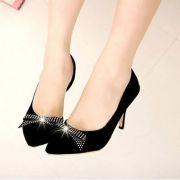 Giày cao gót khoét eo nơ đá