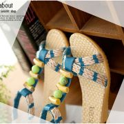 Sandal đính hột trang trí