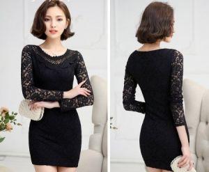 Đầm đen ren hoa