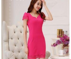 Đầm hồng viền Laze