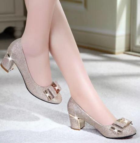 Giày đế vuông bít mũi kim tuyến phong cách hàn