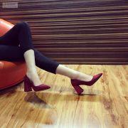 Giày cao gót đế vuông bọc kim tuyến