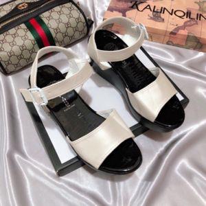 Giày sandal đế xuồng cực hót