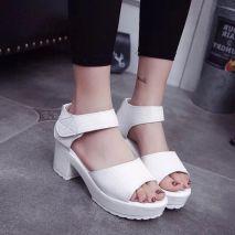 Sandal cao gót đế vuông