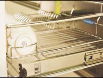 Ray inox cao cấp đựng chén đĩa, liên kết với cánh cửa cho tủ bếp dưới 600-700-800-900
