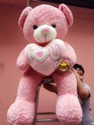 Gấu ôm tim hồng lông mịn (1m4)