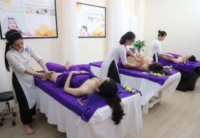 Massage chân cho bà bầu - Evacare Spa