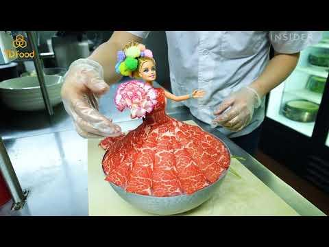 Thịt Bò Canada Trang Trí Món Ăn Với Búp Bê - tdfood.vn