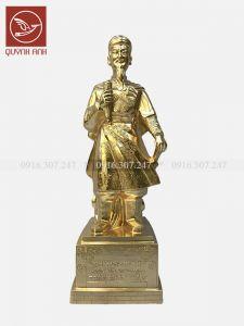 Tượng Trần Hưng Đạo Đại Vương - Dát Vàng 24k