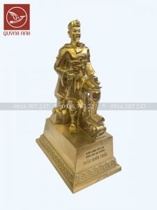 Tượng Trần Hưng Đạo Đại Vương Đế Đồng - Mẫu 2