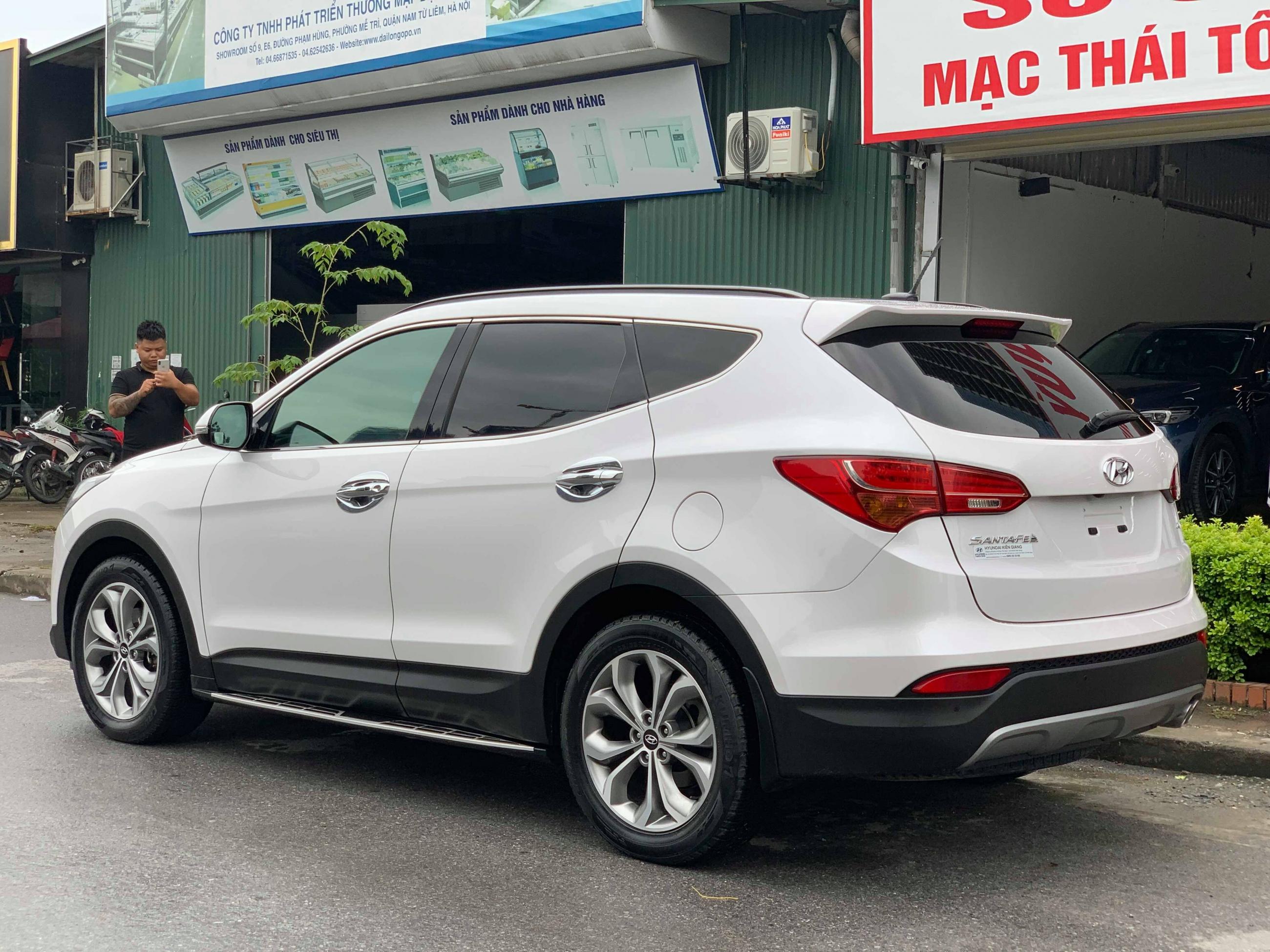 Hyundai SantaFe 2.4AT 4WD 2015 - 5