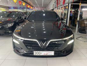 Xe VinFast Lux A 2.0 Turbo 2019 - Đen