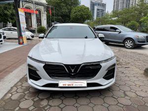Xe VinFast Lux A 2.0 Premium 2019 - Trắng