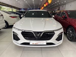 Xe VinFast Lux A 2.0 2019 - Trắng