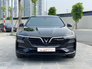 Xe VinFast Lux A 2.0 Premium 2019 - Đen