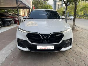 Xe VinFast Lux SA 2.0 Base 2019 - Trắng