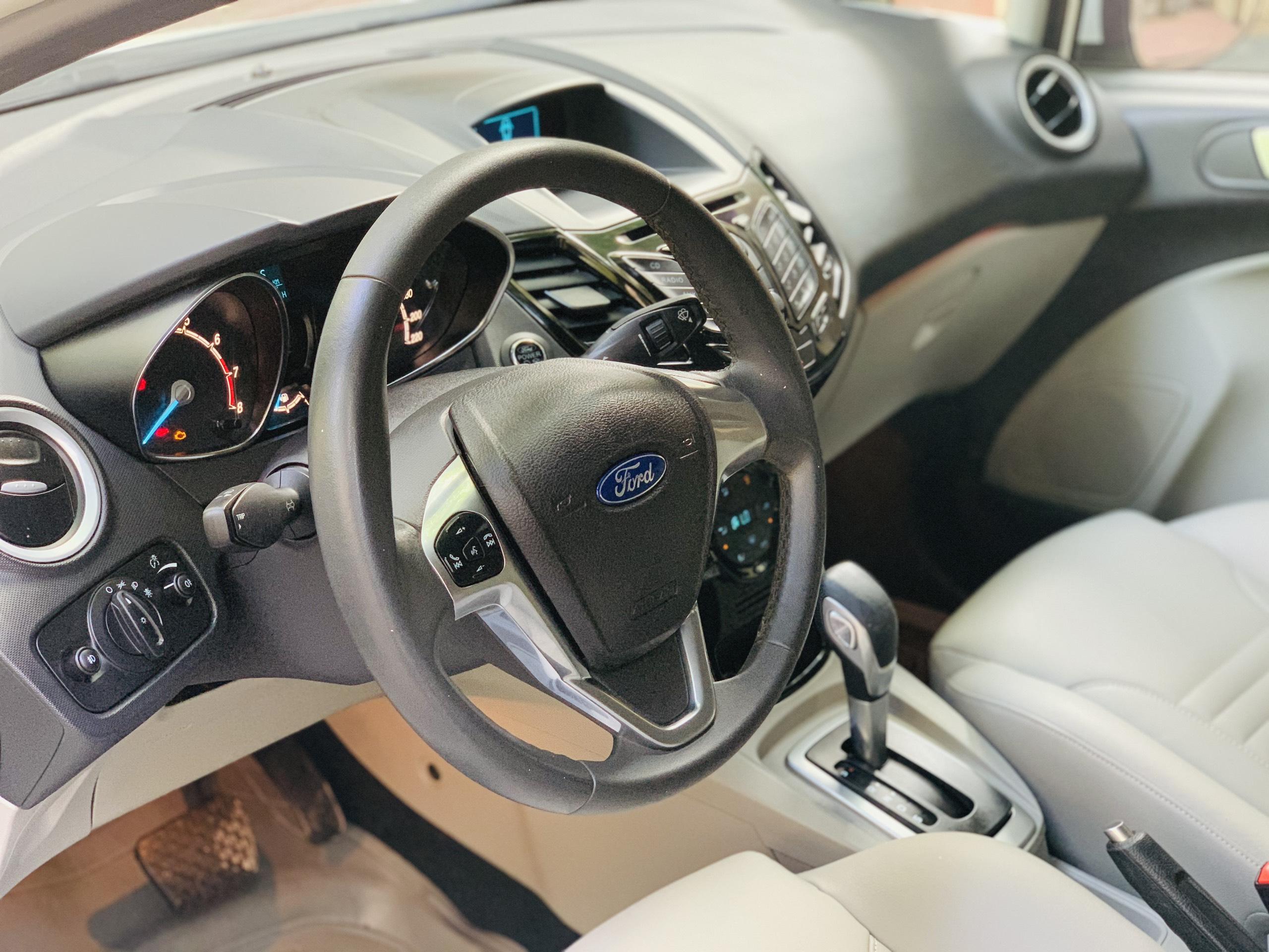 Ford Fiesta 1.5AT 2014 - 8