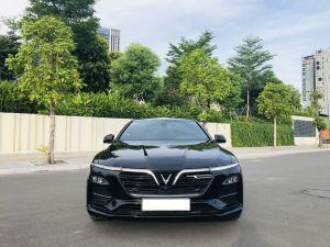 Xe VinFast Lux A 2.0 Premium 2.0 AT 2019 - Đen