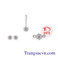 Bộ Trang sức vàng trắng gắn kim cương-TSVN