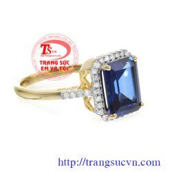 Nhẫn nữ topaz chữ nhật đẹp